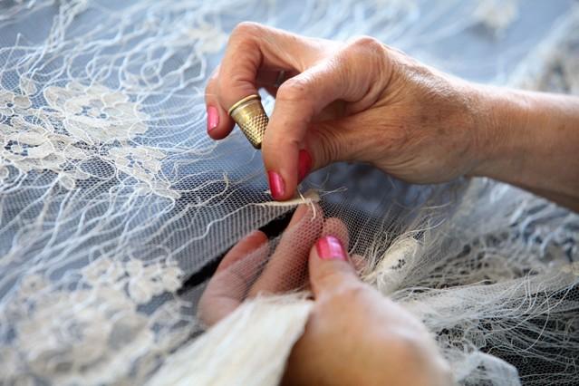 lace mending