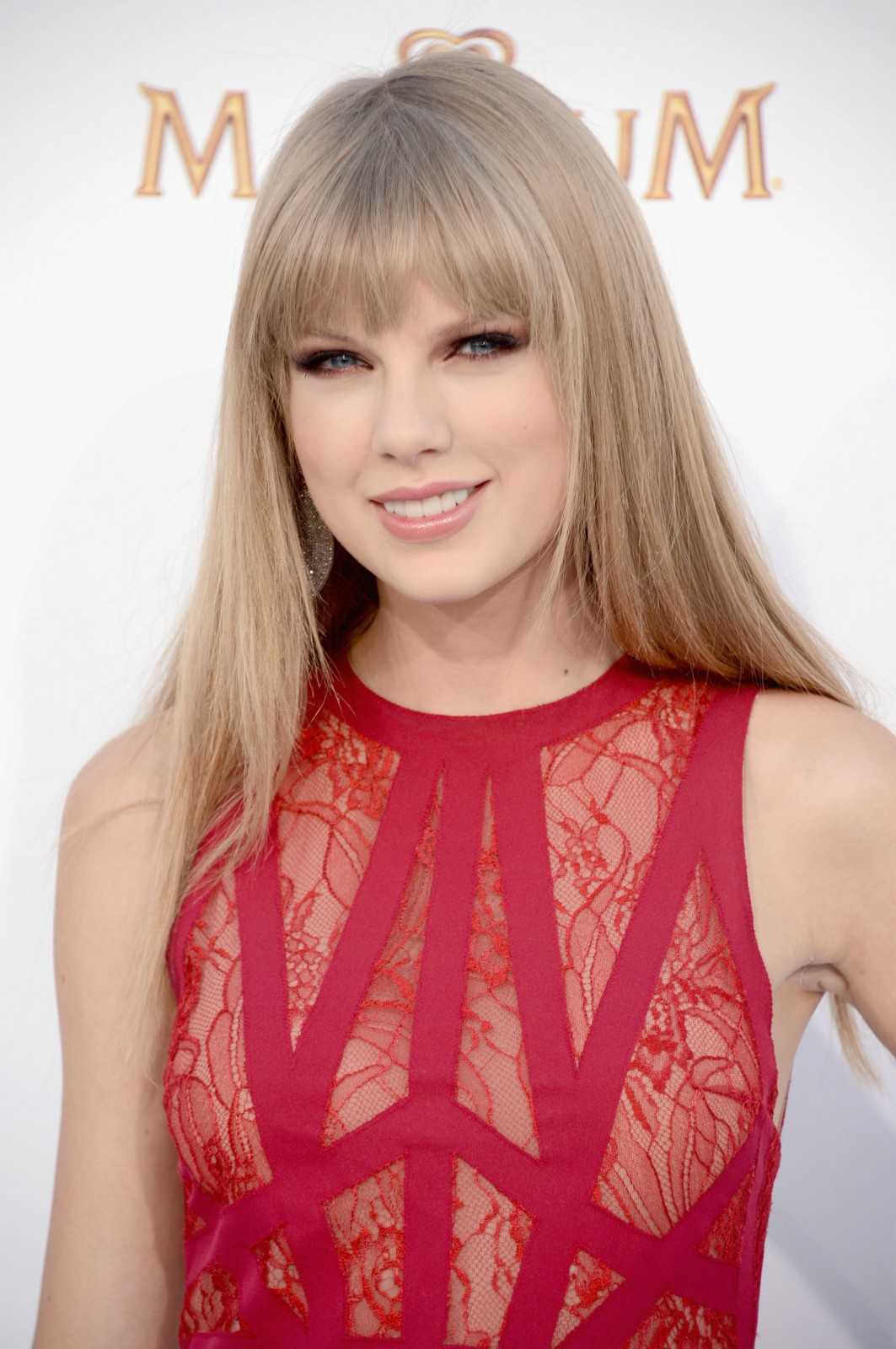 Taylor Swift And French Lace 22 Photos  French Lace -2890
