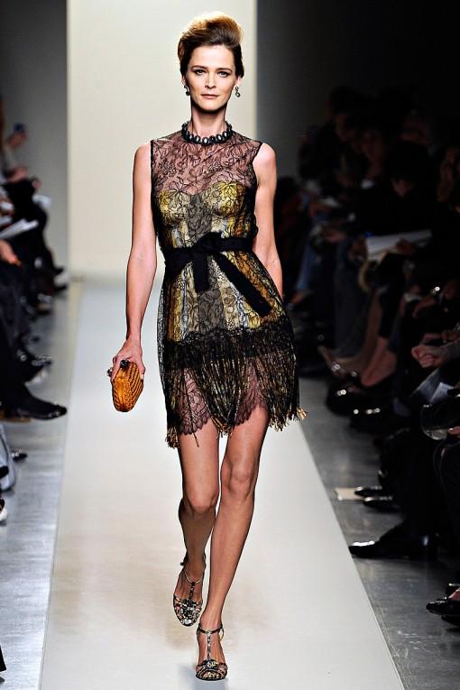 Fabulous Bottega Veneta flowy black lace dress