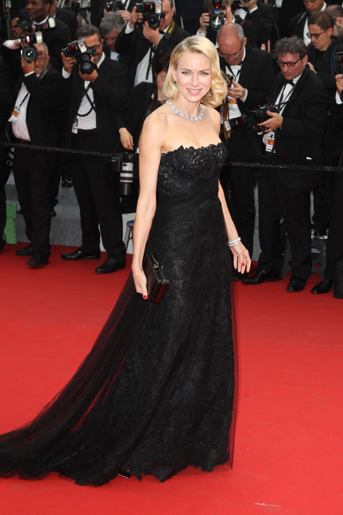 Naomi Watts in a gorgeous Ralph Lauren dress.