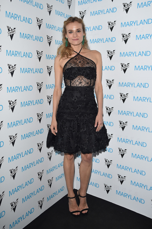 And one more little black lace dress by Oscar de la Renta on Diane Kruger.